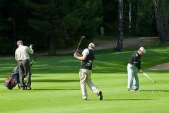 Agrupe al golfista desconocido Imágenes de archivo libres de regalías