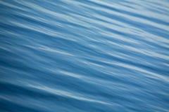 Agua azul Fotos de archivo libres de regalías
