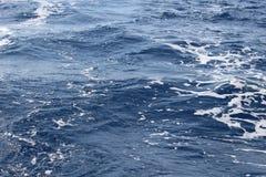 Agua azul del océano Imagen de archivo libre de regalías