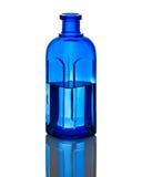 Agua azul del wih de la botella Foto de archivo