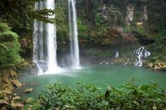 Agua Azul Mexique de cascade à écriture ligne par ligne image libre de droits