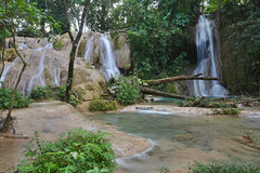 Agua Azul siklawa, półwysep jukatan, Meksyk Zdjęcia Stock