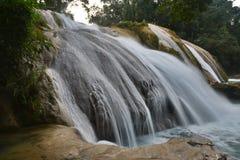 Agua Azul siklawa, półwysep jukatan, Meksyk Zdjęcia Royalty Free