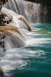 Agua Azul siklawa w Chiapas stanie Obrazy Royalty Free