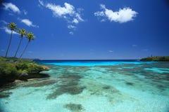 Agua azul y cielo fotos de archivo libres de regalías