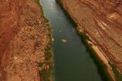 Agua blanca que transporta en balsa en el río Colorado Imagenes de archivo