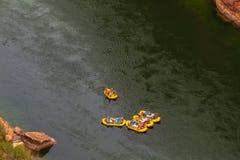 Agua blanca que transporta en balsa en el río Colorado Fotografía de archivo