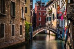 Agua-calle de Venecia Imagenes de archivo