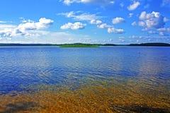 Agua clara de los lagos Braslav imagen de archivo libre de regalías