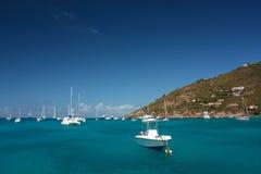 Agua clara del torquoise, yates, barcos Fotografía de archivo libre de regalías