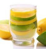 Agua con el limón Fotografía de archivo libre de regalías