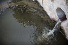 Agua contaminada Fotografía de archivo libre de regalías