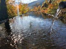 Agua cristalina de la fuente Imagen de archivo libre de regalías