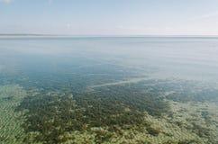 Agua cristalina del lago Naroch Imagenes de archivo