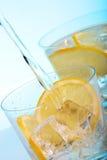 Agua de colada en los cocteles Imagen de archivo libre de regalías