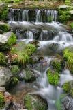 Agua de conexión en cascada Imagen de archivo libre de regalías