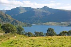 Agua de Crummock, Cumbria, Inglaterra Imágenes de archivo libres de regalías