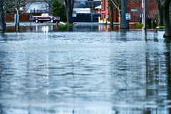 Agua de inundación profunda Imagenes de archivo