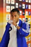 Agua de la bebida de Raffael Foto de archivo libre de regalías