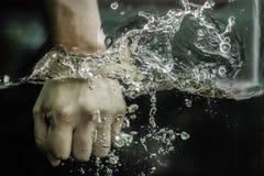 Agua de la caja Foto de archivo libre de regalías