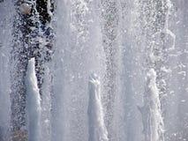 Agua de la fuente Imágenes de archivo libres de regalías