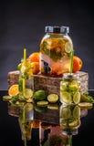 Agua de la limonada de la fruta cítrica Foto de archivo libre de regalías