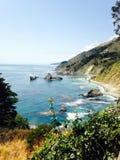 Agua de la naturaleza del sol de la costa de Big Sur California Foto de archivo libre de regalías