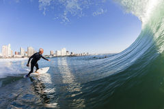 Agua de la persona que practica surf que practica surf Fotografía de archivo