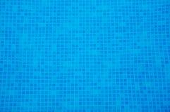Agua de la piscina Fotos de archivo