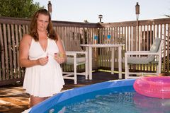 Agua de la piscina de la prueba Foto de archivo libre de regalías