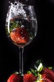 agua de las fresas Imagenes de archivo