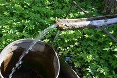 Agua de manatial foto de archivo libre de regalías