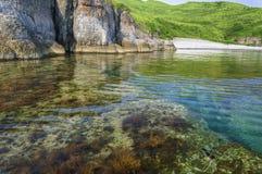Agua de mar transparente imagenes de archivo