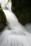 Agua de precipitación a través de la garganta Fotos de archivo libres de regalías