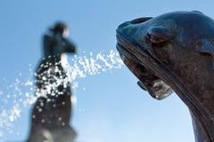Agua de rociadura de la fuente del león marino foto de archivo libre de regalías