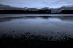 Agua de seda en costa Imagenes de archivo