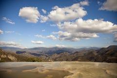 Agua del EL de Hierve en el estado de oaxaca, México Foto de archivo libre de regalías