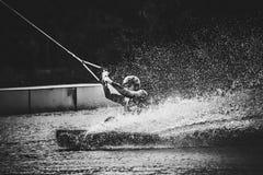 Agua del espray después del salto extremo a bordo Fotos de archivo