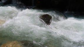 Agua del glaciar del top de Babusar imagen de archivo libre de regalías