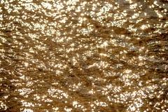 Agua del mar con reflexiones del sol Imagen de archivo