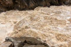 Agua del río Yangzi Fotos de archivo libres de regalías