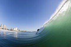 Agua Durban de la onda que practica surf Fotos de archivo libres de regalías