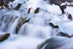 Agua e hielo Fotos de archivo libres de regalías