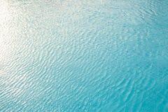 Agua en el fondo de la piscina Fotografía de archivo libre de regalías