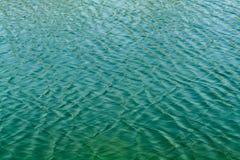 Agua en el río Fotos de archivo libres de regalías