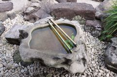 Agua en una piedra Fotografía de archivo libre de regalías