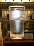 Agua fría en vidrio Imagen de archivo