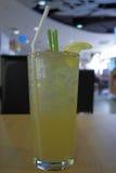 Agua helada de la hierba de limón imagen de archivo libre de regalías