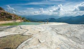Agua Hierve el, естественные горные породы в мексиканском положении  Стоковые Фотографии RF