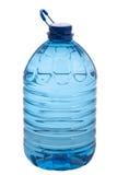 Agua mineral fresca en botella Foto de archivo libre de regalías